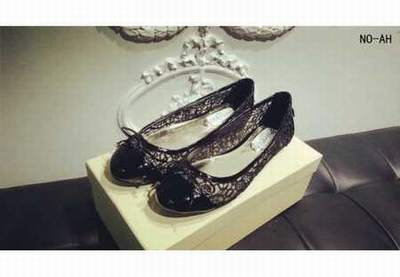 chaussures femme jimmy choo vendre paire chaussure jimmy choo. Black Bedroom Furniture Sets. Home Design Ideas